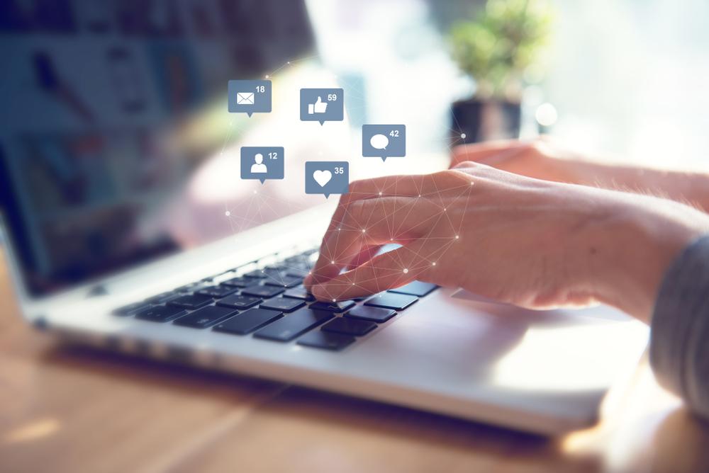 情報発信ビジネスがおすすめな7つの理由。仕組みややり方も解説。